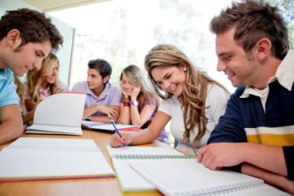 Estudantes .