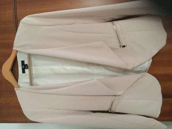 Casaco cor rosa velho marca h m novo comprado este ano tamanho m